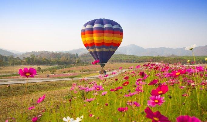 Ballonfahrt mit blauem Himmel in Querfurt